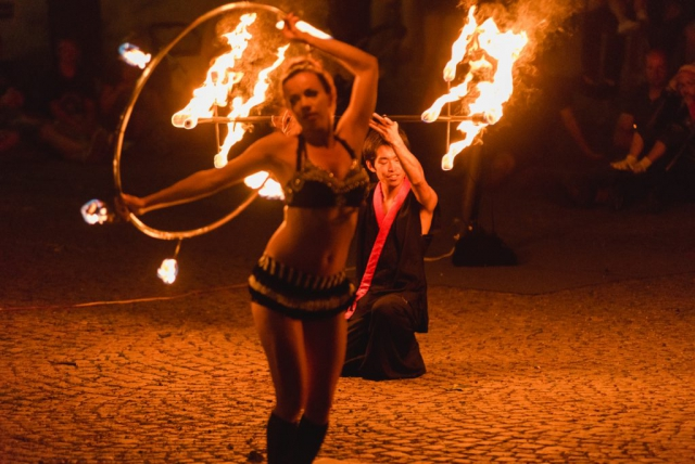 "Feuershow der Gruppe ""Dream Dancers"""